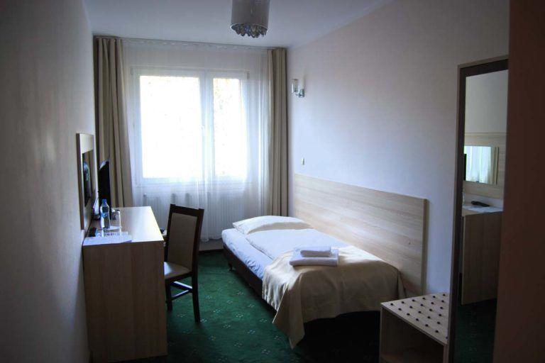 hotel-pokoj-1os_1_1200px